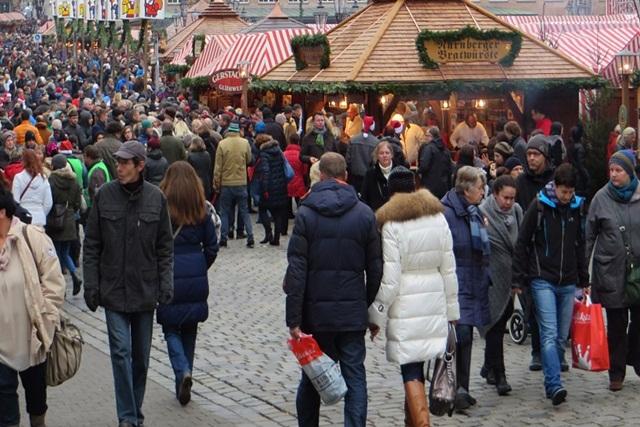 Flüchtlinge sollen Jobs auf Weihnachtsmärkte erhalten