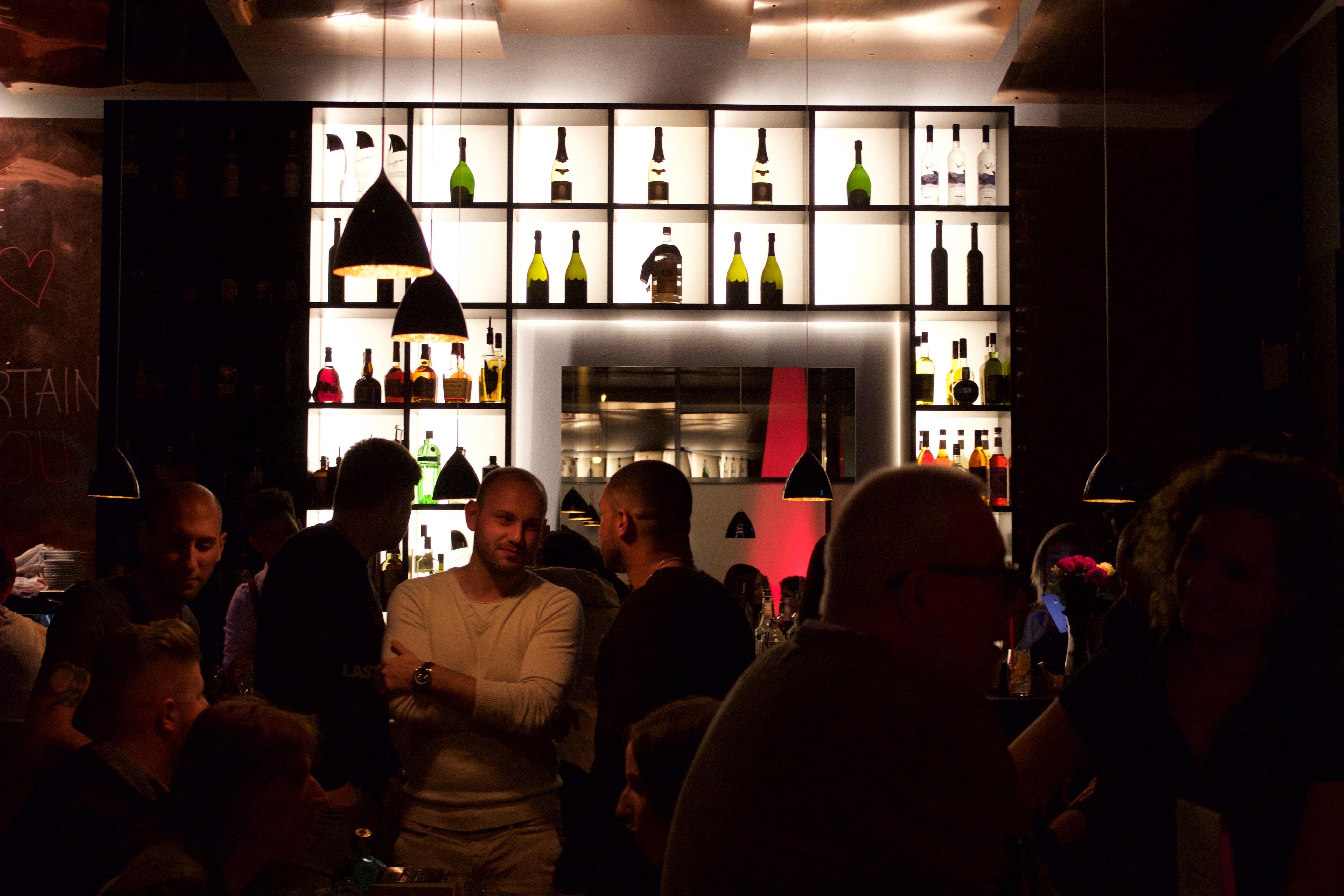 events cocktails reisen die cocktailbar max 55 ist einzigartig in karlsruhe. Black Bedroom Furniture Sets. Home Design Ideas