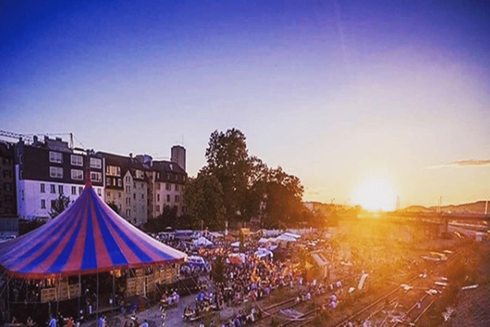 Riesenspektakel Strassenfeste In Vier Stadtteilen In Karlsruhe