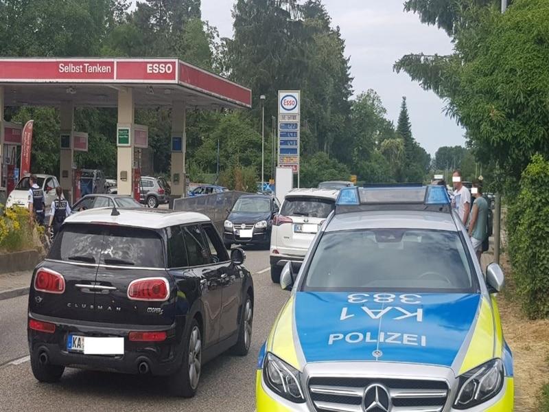 Polizei Marktplatz Karlsruhe