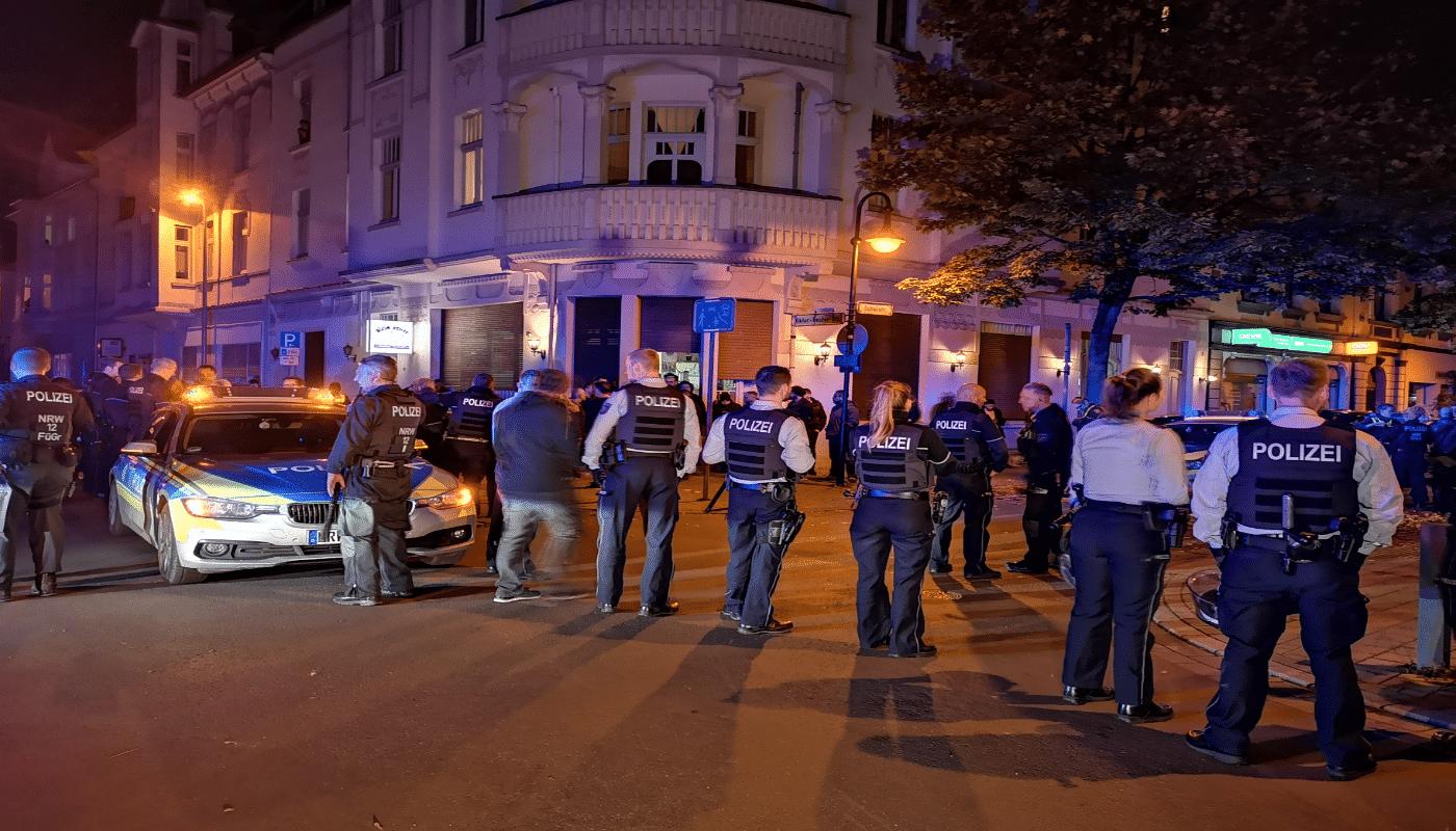 Hilfeschreie! Tödliche Messer-Attacke auf Menschen in Rheinland-Pfalz