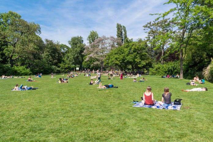 Wieviel Personen Dürfen Sich In Baden Württemberg Treffen