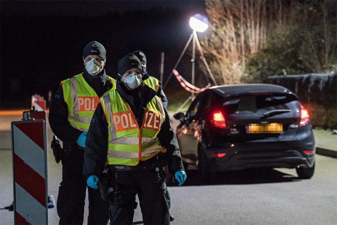 Eine Grenzkontrolle zu Corona in Deutschland