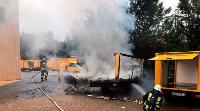 E-Autos brennen nach Explosion