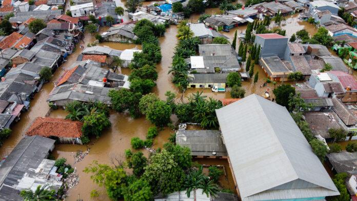 Dorf überflutet durch Unwetter