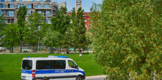 Polizei-Streife am Park
