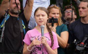 Greta Thunberg klimaaktivistin bei einer Rede