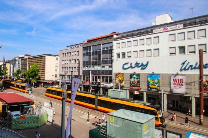 S-Bahn am Europaplatz