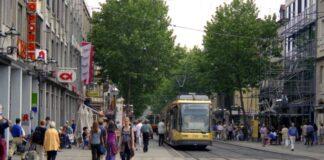 Die Kaiserstraße in der Karlsruher Innenstadt