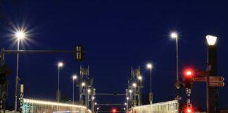 Straßenlaternen am Abend